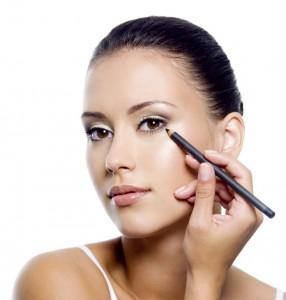 Make-up_after_blepharoplasty-e1498275692306